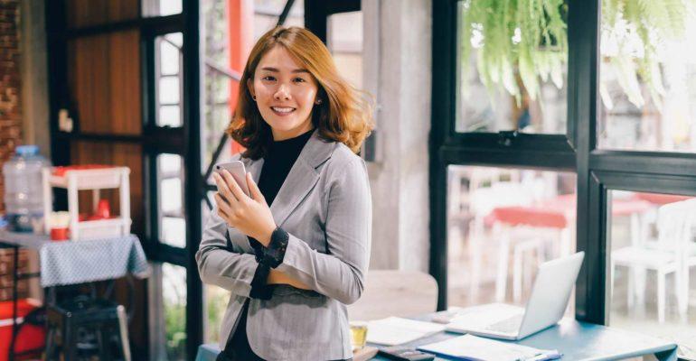 Hal yang Perlu Diperhatikan Membuat Baju Seragam Kerja Wanita